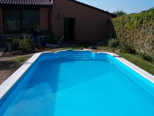 Pp schwimmbecken rechteck 7m x 3m x 1 2m mit 50cm radien for Schwimmbecken rund 3m